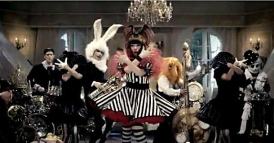 fashion-monster-kyary-1